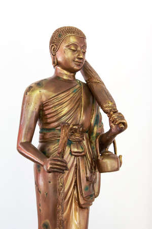 aukana buddha: Buddha statue isolate on background