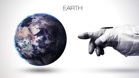 astronaut: Tierra - Alta resoluci�n mejor calidad planeta del sistema solar. Todos los planetas disponibles. Foto de archivo