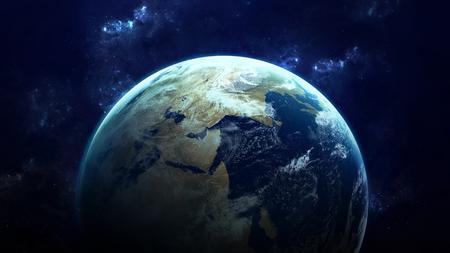高解像度の地球のビュー。スター フィールドに地形や雲を示す空間世界の地球。NASA によって供給されるこの画像の要素