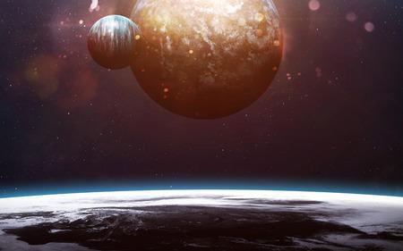 Planeten over de nevels in de ruimte. Stockfoto