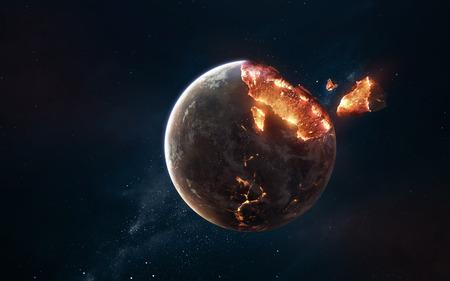 Explosión de planeta. Apocalipsis en el espacio, destruyendo objetos cósmicos.