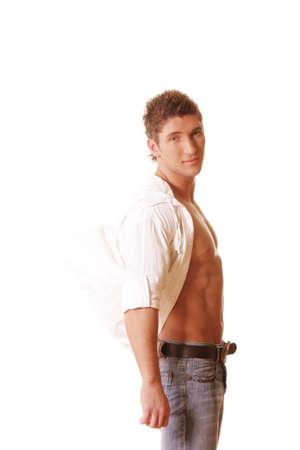 shirt unbuttoned: Guy in camicia unbuttoned esaminano foto su sfondo bianco Archivio Fotografico