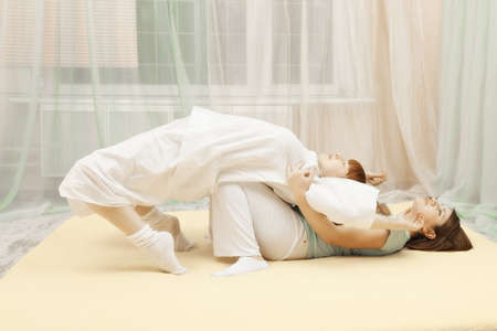 Back twist Yumeiho therapy exercise photo