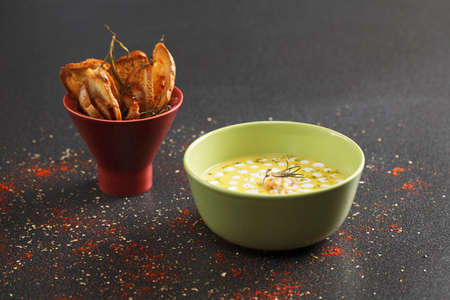 toasted: Pumpkin soup with shrimps and toasted bread