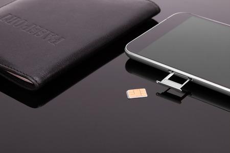 스마트 폰에서 SIM 카드를 구매하고 교체하십시오. 새로운 SIM 카드.