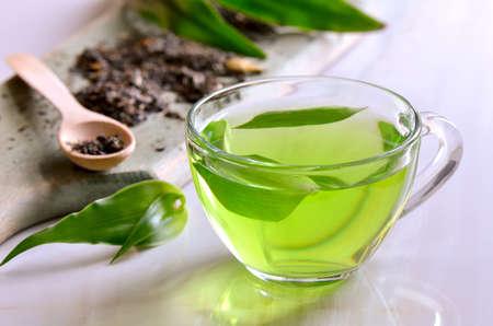 Grüne Kräuter-Tee, warme entspannende aromatische antioxidative Getränk Standard-Bild