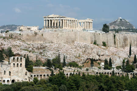 parthenon erechthion herodion and lycabetus the main landmarks of athens greece Foto de archivo