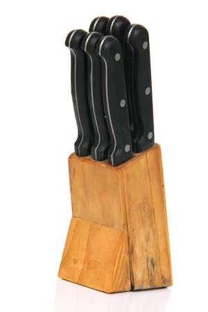 objetos de la casa: bloque de cuchillos dom�sticos conjunto de objetos aislados sobre fondo blanco