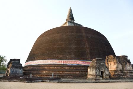 vihara: The Rankot Vihara or the Golden Pinnacle Dagoba in Polonnaruwa, 12th century, Sri Lanka