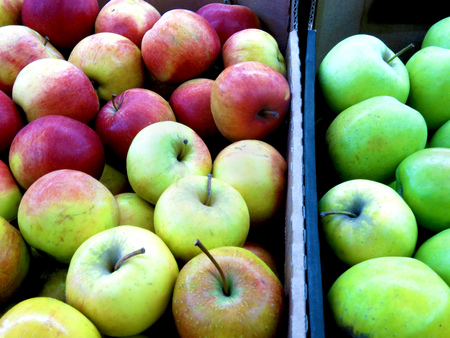 fruit trade: apples of different varieties on the market