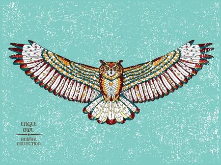 totem indiano: Zentangle stilizzato gufo reale. Raccolta degli animali. Disegno a mano di doodle. Etnica illustrazione vettoriale fantasia. Africano, indiano, totem, progettazione tatoo. Schizzo per tatuaggio, poster, stampe o t-shirt.