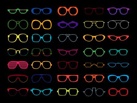 Vector set van verschillende kleurrijke glazen op een zwarte achtergrond. Retro, reiziger, vliegenier, geek, hipster frames. Man en vrouw brillen en zonnebrillen silhouetten.