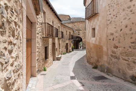 Typical street in the historical town of Pedraza. Segovia. Spain. 版權商用圖片