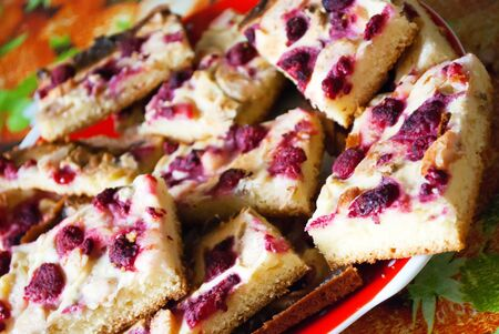 plateful: A plateful of sliced homemade cake