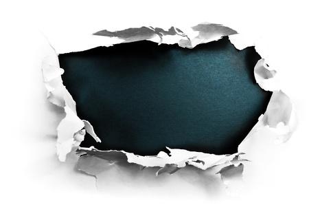 gescheurd papier: Doorbraak papier gat met gestructureerde zwarte achtergrond. Stockfoto