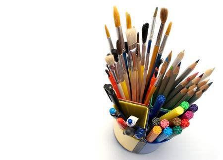 creative tools: Tabella per la pittura isolato su bianco. Archivio Fotografico
