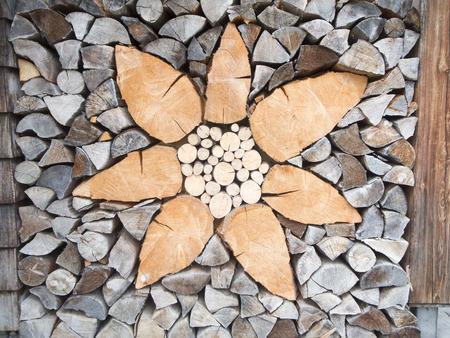 Flower pattern in firewood