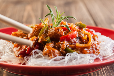 rice noodles: Chinese chicken with vegetables and rice noodles