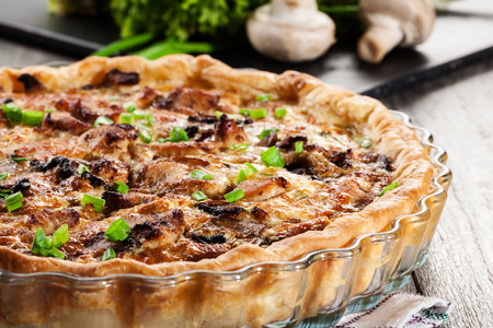 and savory: Savory tart with chicken, mushrooms and cheese