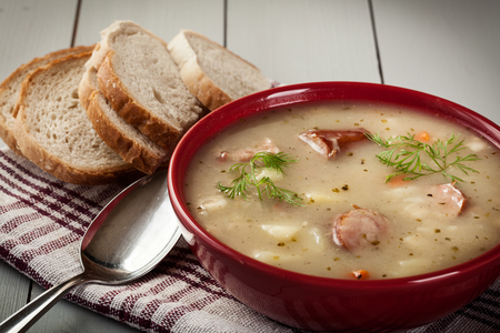 De zure soep gemaakt van roggemeel