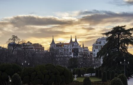 walking and photographing the streets and monuments of madrid