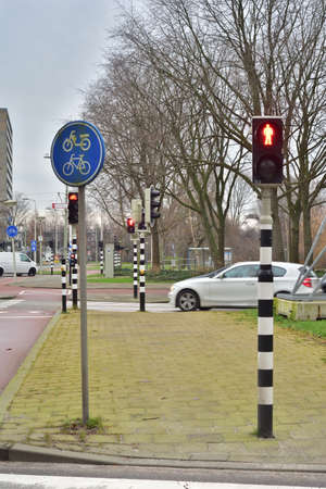 The pedestrian traffic light informs you of the situation at the crossing. Attention.