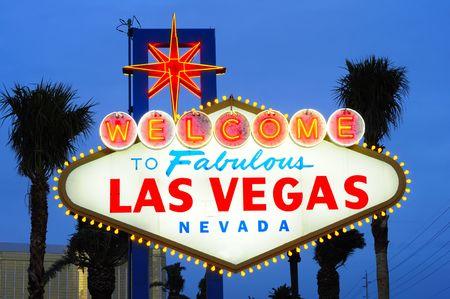 welcome sign: Las Vegas, la ville signe � la tomb�e de la nuit