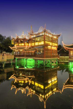 tea house: Shanghai Old Tea House in Yu Garden at night