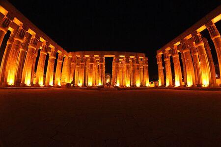 louxor: Egypte - Louxor - temple de vue