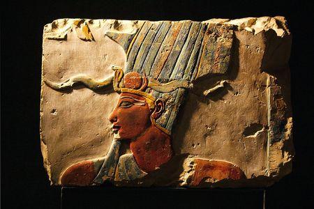 louxor: Egypte-Louxor - de vue diff�rent de fouilles