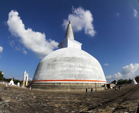 the stupa: Anuradhapura - Ruwanwelisaya - view of Big Stupa Stock Photo