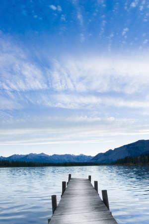 cul de sac: catwalk at lake pointing towards horizon