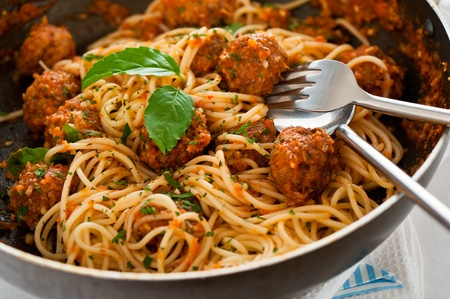 macarrones: Original italiano espaguetis con alb�ndigas en salsa de tomate