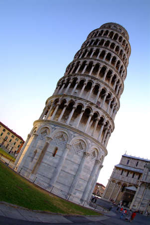 tower of pisa by blue sky