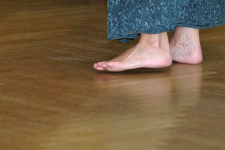 incarnadine: barefoot on parquet