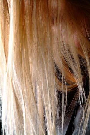 nonchalant: blond long to dangle haer