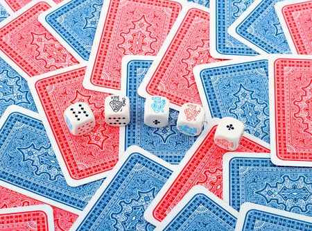 poker dice in cards background Editöryel