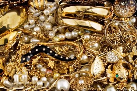 La joyería del diamante oro precioso collar de perlas anillo de fondo Foto de archivo - 12416911
