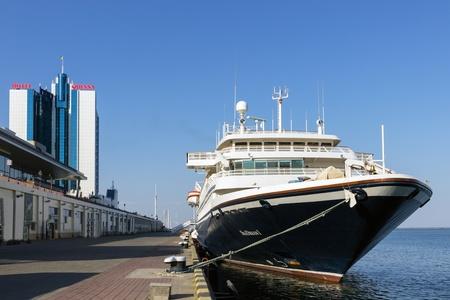 ODESSA, Ukraine - August 22: Cruise ship SEA DREAM came into the port of Odessa, Ukraine on August 22, 2013. Odessa is the biggest cruise port of Ukraine.  新聞圖片