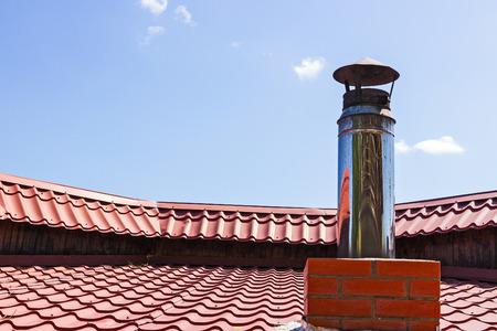 pijp aan ventilatie op het dak