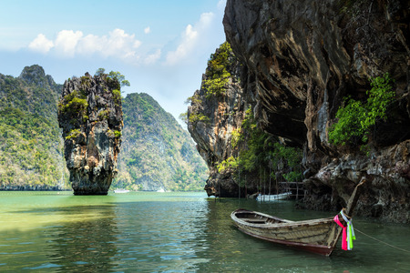 phangnga: James Bond island, Khao Phing Kan Pang Nga bay. Thailand Stock Photo