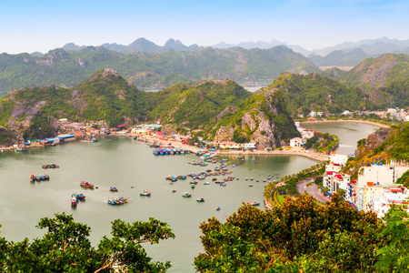 Cat Ba Katba Island, vietnamese boats and floating village near Cat Ba island, Vietnam Stock Photo - 91888659