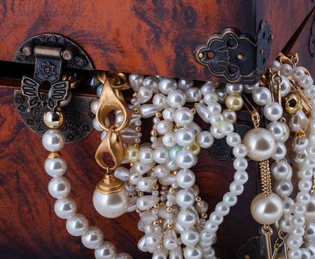 Treasure chest with snake golden diamond bracelet pearl