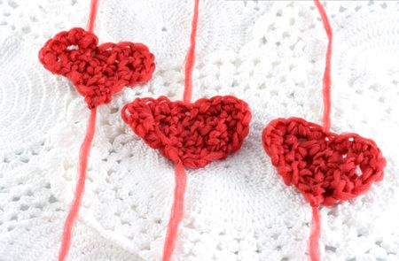 image from holiday series: hearts with wool, done on a crochet hook Standard-Bild