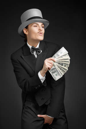 gangster girl: Gangster girl keeps money in hands