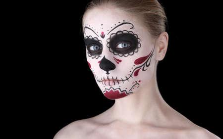 traje mexicano: Mujer con dia de los muertos maquillaje, espacio negro vacío Foto de archivo
