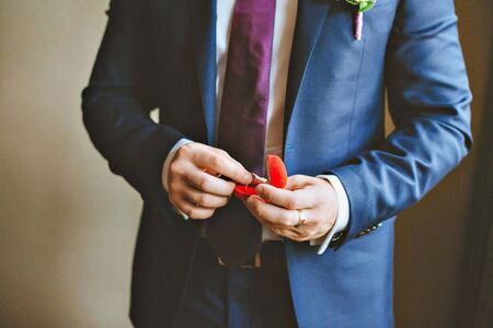 truelove: picture of man with gift box and wedding ring.