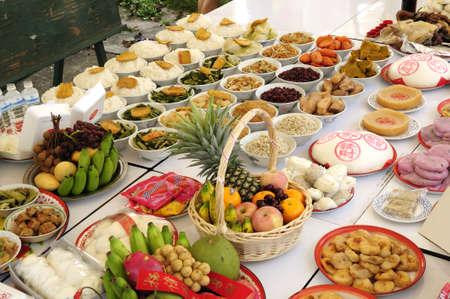 believers: Offerings foods, Chinese custom