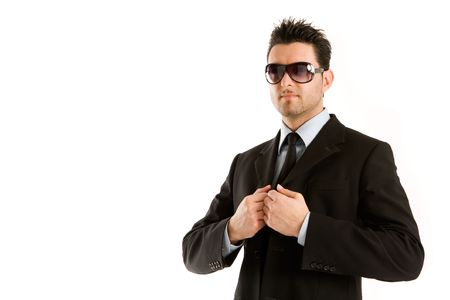 Man dressed in black with big and fashion sunglasses
