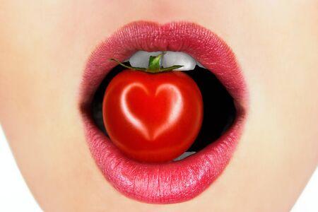 lips with tomato photo